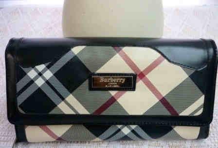 Burberry Wallet Clutch - Black