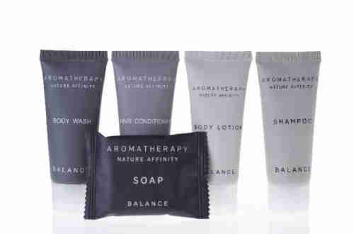 New arrival cheap hotel supply travel kit general use hotel toiletries amenities facilities sets 5 p