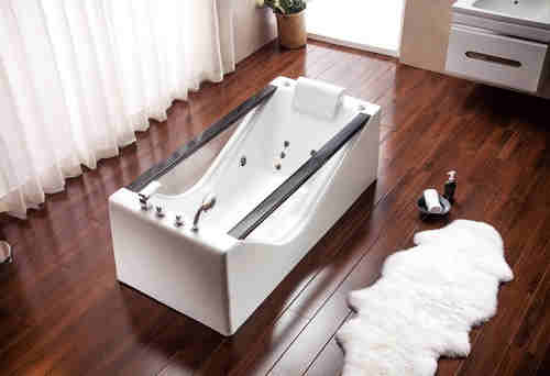 MV011L 1700mm Freestanding Massage Bathtub Jaccuzi