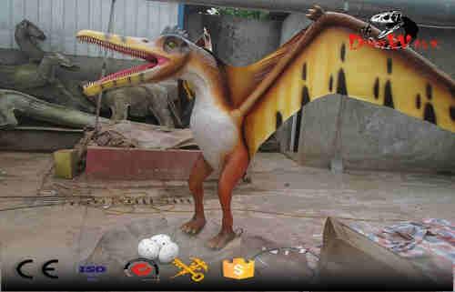 Standing pterosaur simulation animatronic dinosaur