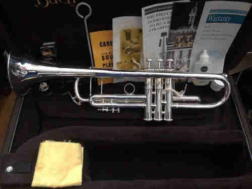 BACH STRADIVARIUS 37 Bb TRUMPET 180S ML CASE-----1500Euro