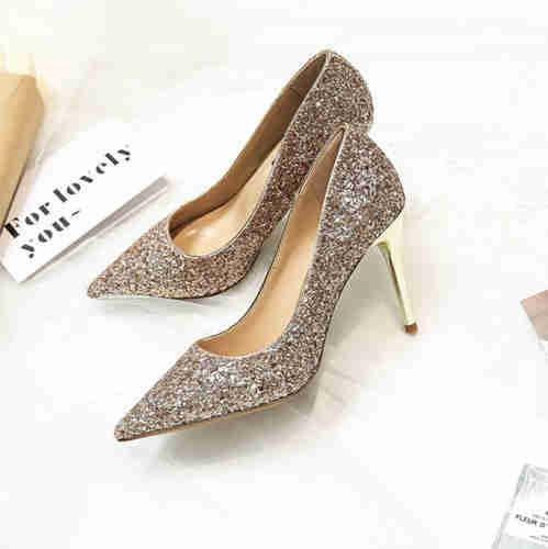 Pointed flat women sandals